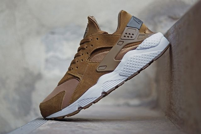 Nike Air Huarache Tonal Season Bumpers 4