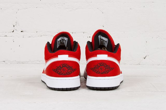 Air Jordan 1 Low University Red 3