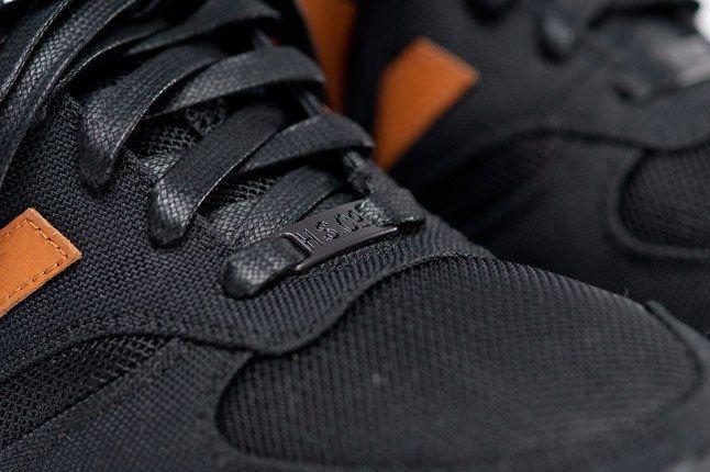 Nb X Herschel Supply Company Black Detail 1