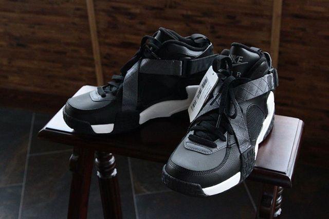 Nike Air Raid Black Grey 03