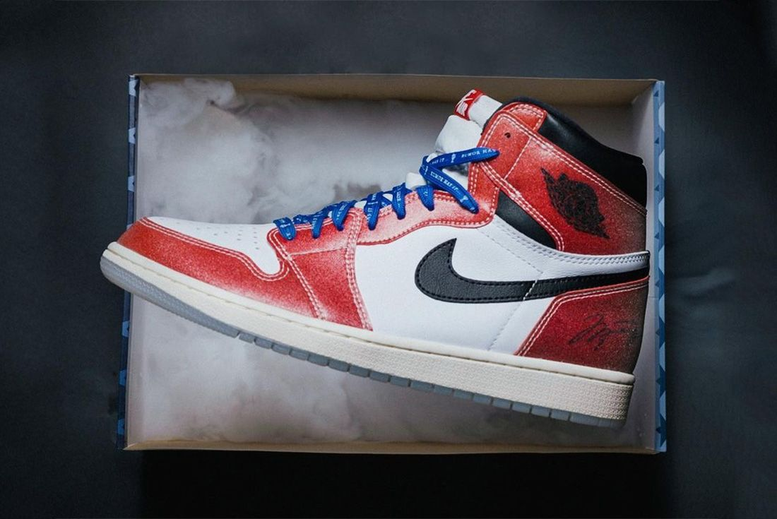 trophy room air jordan 1 official shots hero