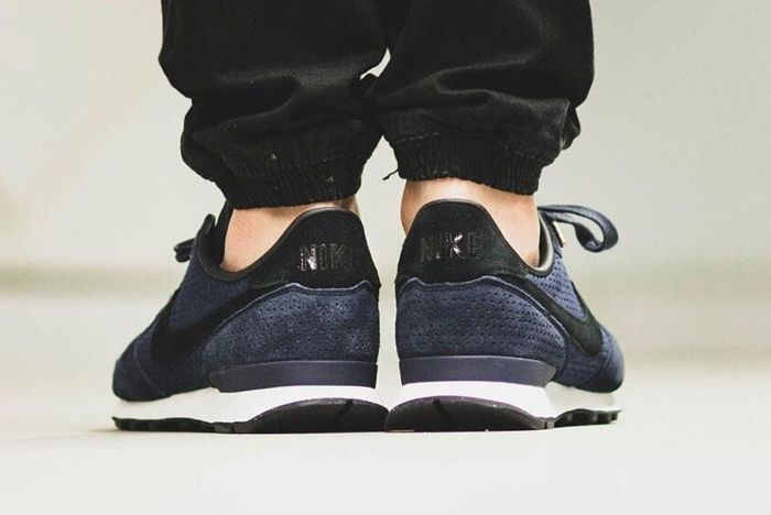 Nike Internationalist Lx Dark Obsidian 7