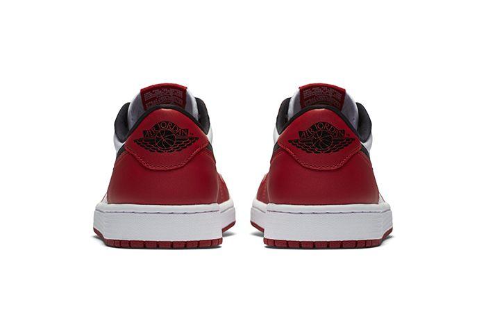 Air Jordan 1 Low Chicago 3