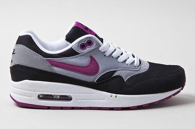 Nike Air Max 1 Grey Violet Profile Shot 1