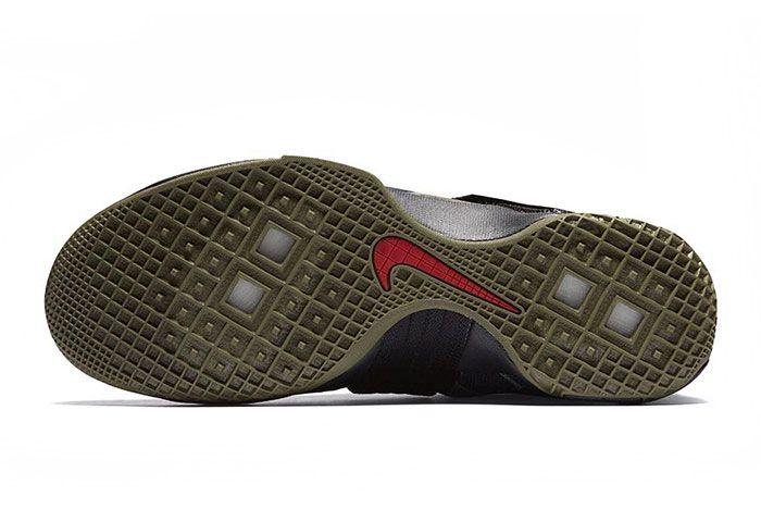 Nike Lebron Zoom Soldier 10 Camo 3
