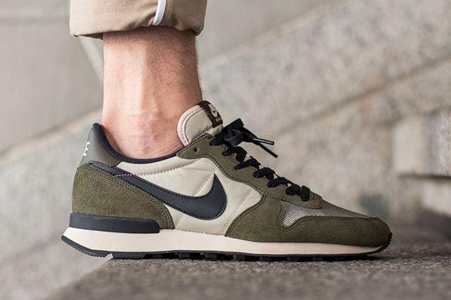 Nike Internationalist Dark Loden 2
