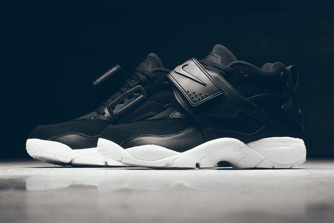 Nike Air Diamond Turf 8