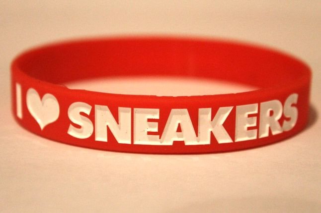 Sneakertube Red Wristband I Love Sneakers 1