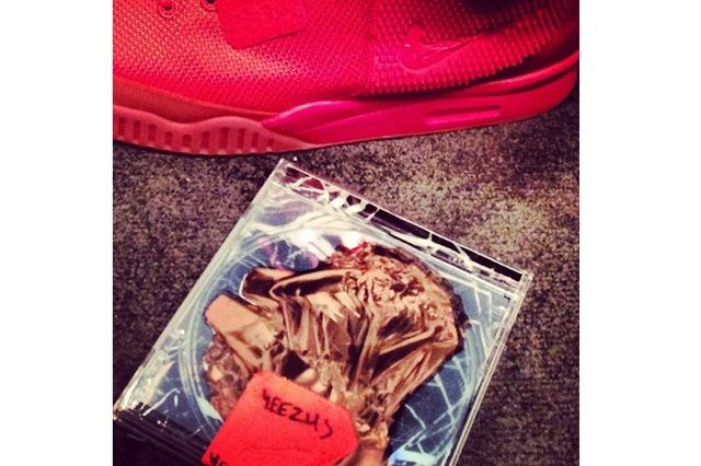 Kanye West Yeezy 2 Nike Red October 4