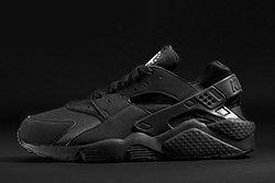 Nike Air Huarache Triple Black Thumb
