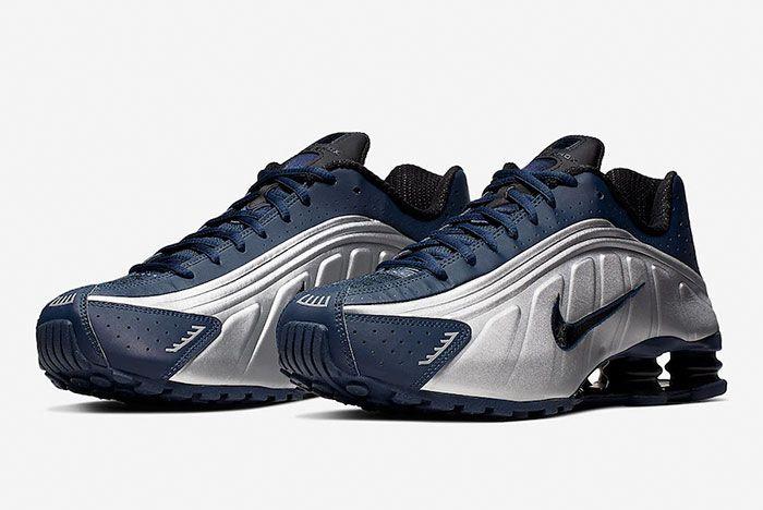 Nike Shox R4 Midnight Navy Metallic Silver 104265 405 Front Angle