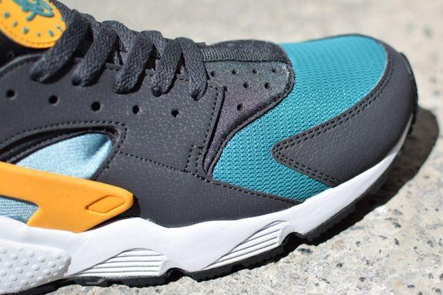 Nike Air Huarache Sample Teal Orange 2