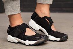 Nike Air Rift Black Cool Grey Thumb