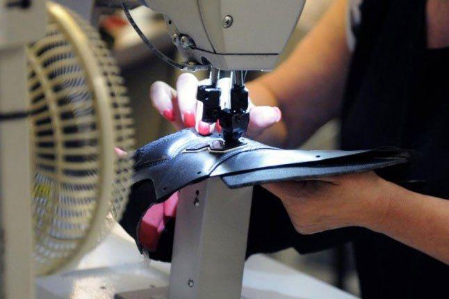 New Balance Sneaker Stitching 1