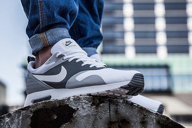 Nike Am Tavas Coolgrey Bump 1