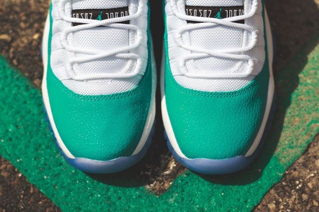 Air Jordan 11 Low Turbo Green Bump 1