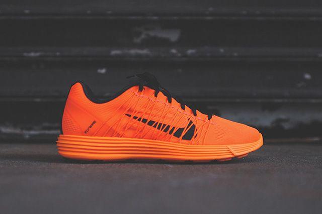 Nike Lunaracer 3 Total Orange 1