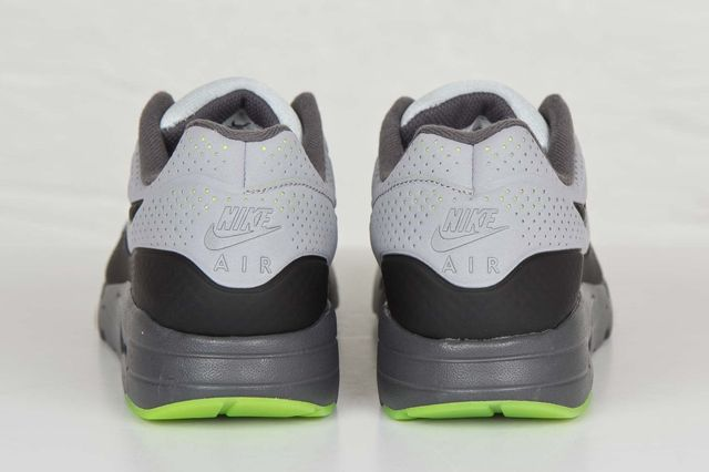 Nike Am1 Ultra Moire Wolf Grey Volt 3