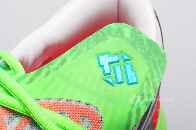 Nike Kd Vi Supreme Dc Heat Pack Tongue Detail 1