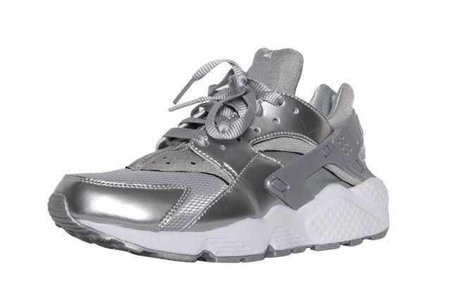 Nike Wmns Air Huarache Metallic Silver 4