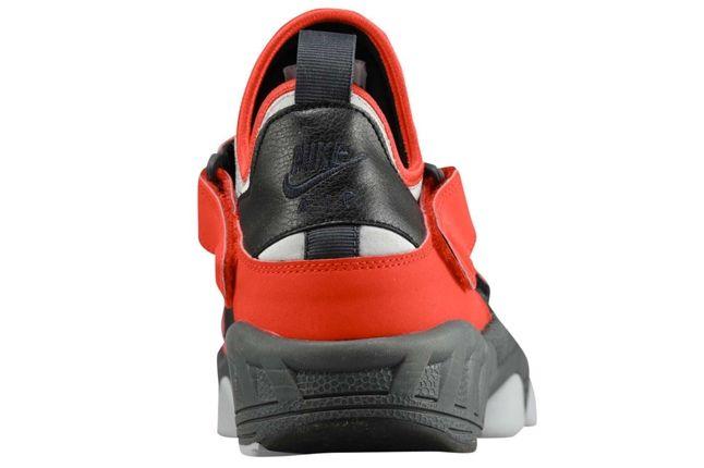 Nike Air Huarache Trainer 94 Red Heel 1