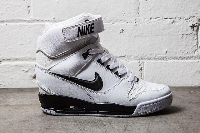 Nike Air Revolution Sky Hi Black White