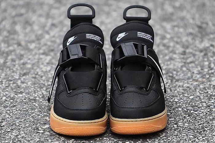Nike Air Force 1 Utility Black Gum 3