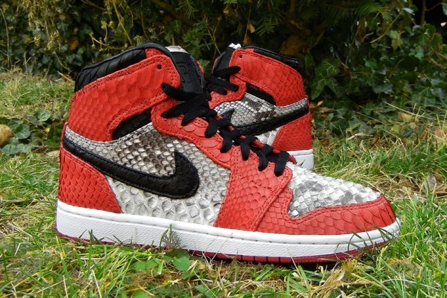 Jfb Customs Snakeskin Aj1 Red Outer Hero 1