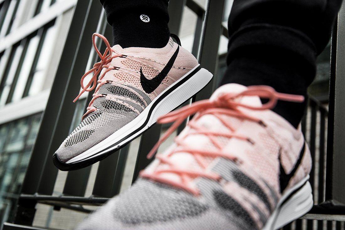 Nike Flyknit Trainer Sunset Tint 3 1