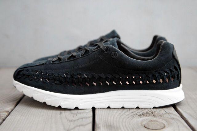 Nike Mayfly Woven Qs Black Profile