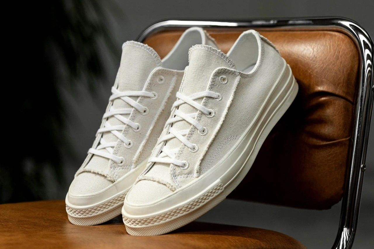 Converse Chuck 70 Renew Egret Angled Right