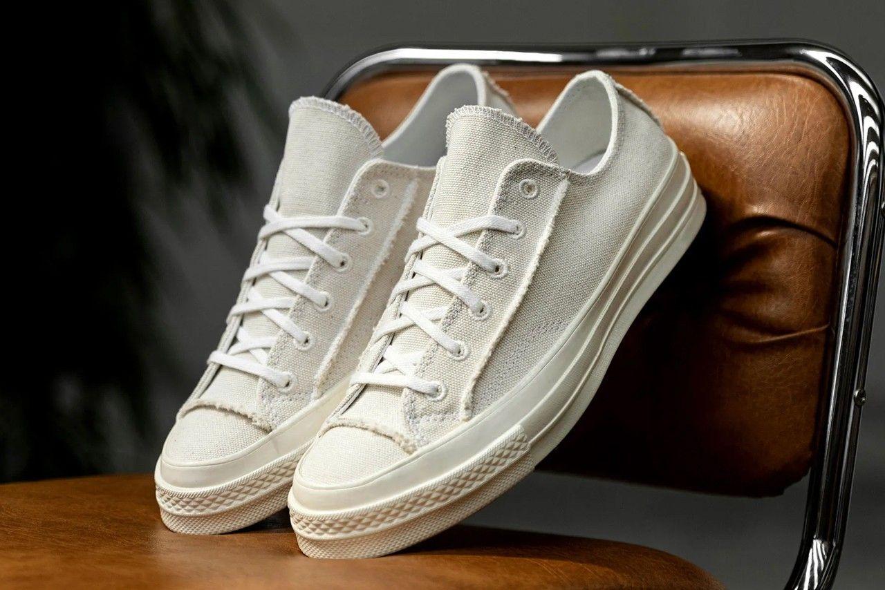 Converse Chuck 70 Renew Egret Angled Right