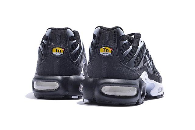 Air Max Plus Txt Black Smoke 3