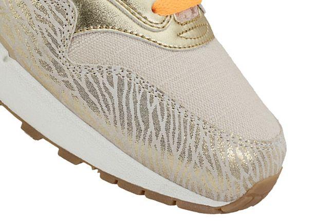 Nike Am1 Premium Metaliic Zebra Toe 1