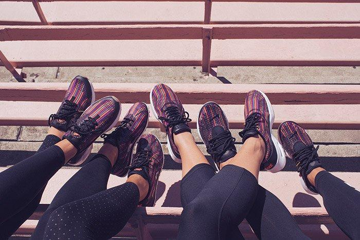 Nike Womens Beautiful Powerful Jacquard Small
