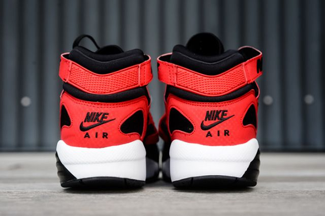 Nike Air Trainer Max 91 Black University Red 4 E1412786158562