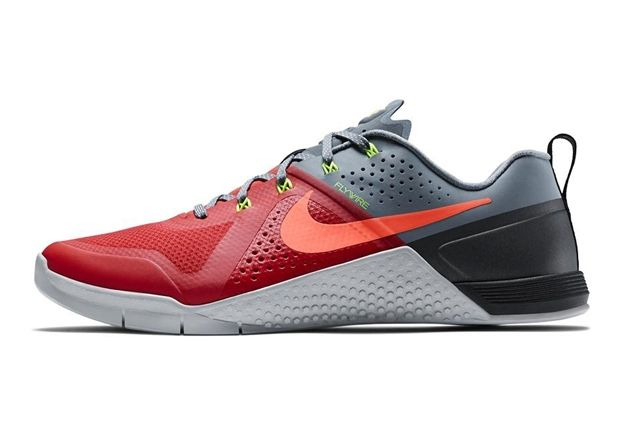 Nike Metcon 1 Daring Red 5