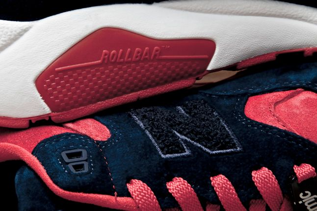 Rollbar Logo Midsole Close Up 1
