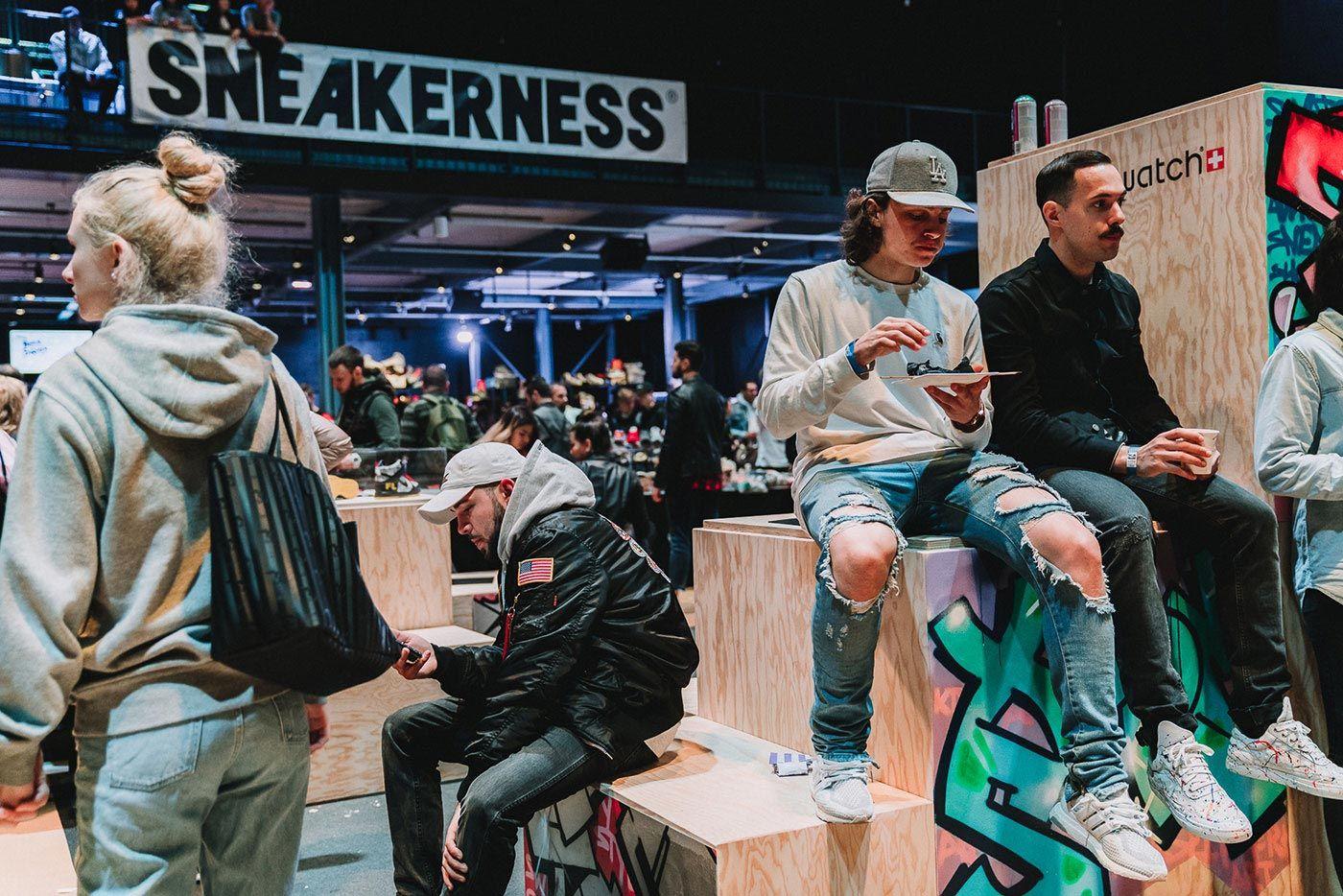 Sneakerness Even Recap People Eating