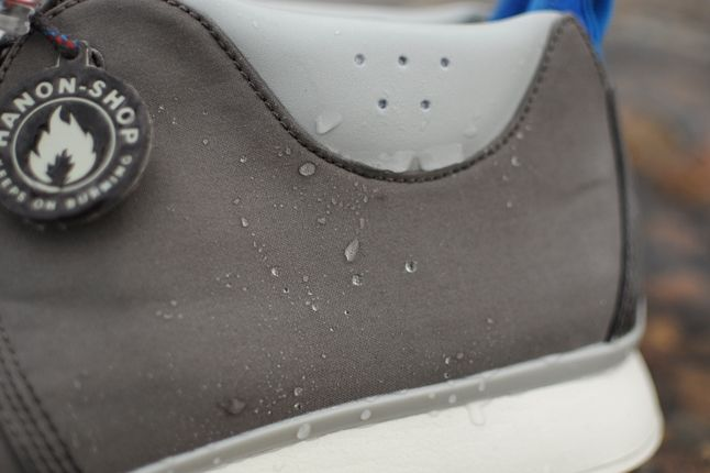 Hanon Clarks Traxter Ventile Heel Water Droplets Detail 1