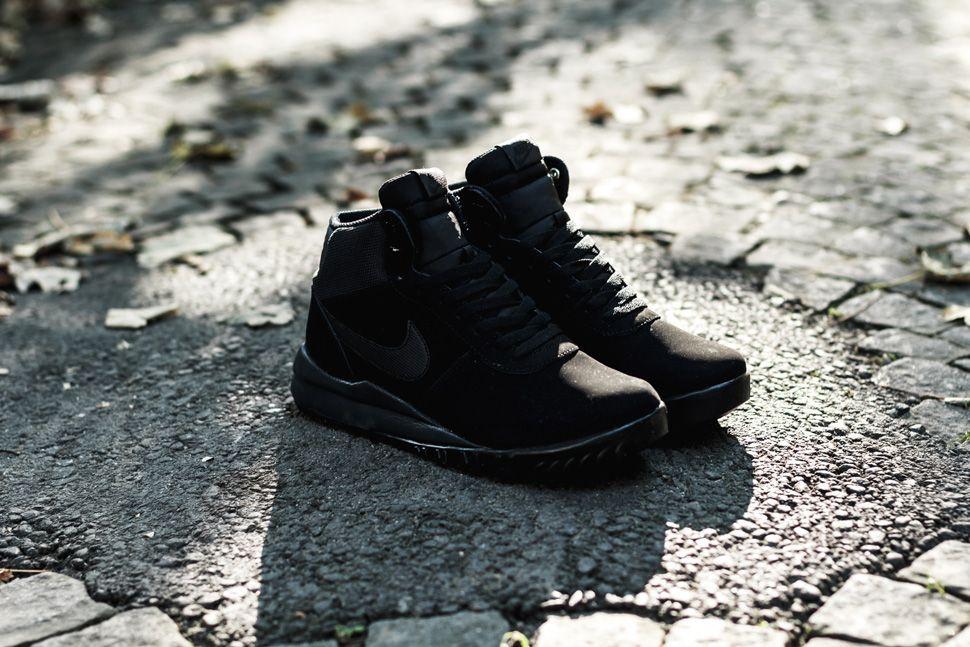 Nike Woodland Suede Triple Black 6