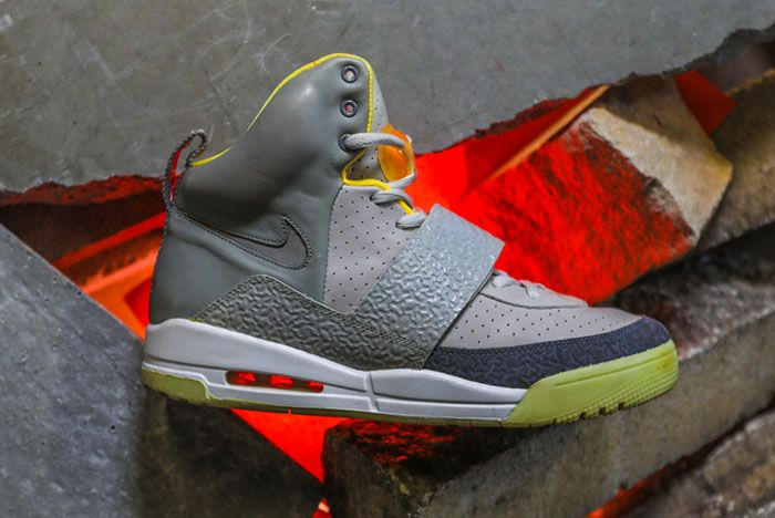 Nike Air Yeezy 2 right