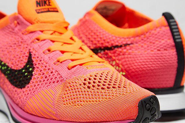 Nike Flyknit Racer Pink Flash 2