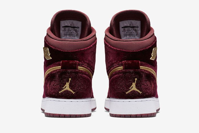 Air Jordan 1 Heiress Velvet 5