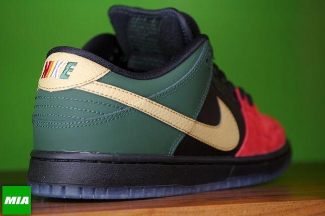 Nike Bhm Dunk Low Pro Sb Reverse Angle 1
