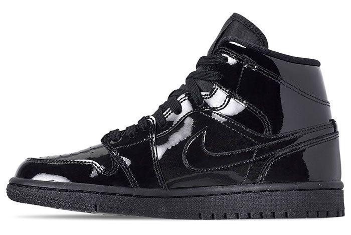 Air Jordan 1 Womens Triple Black Release 4