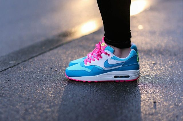 Nike Air Max 1 Clear Water Pink Power 4