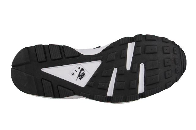 Nike Air Huarache Total Orange Black 3