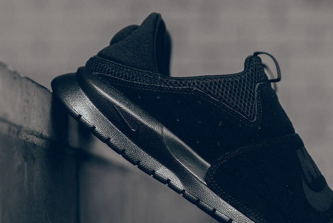 Nike Benassi Slp Triple Black 4