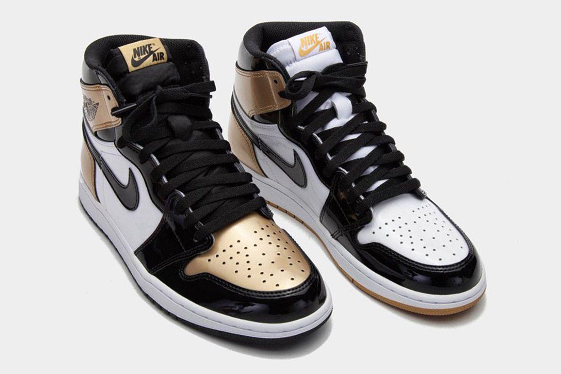Air Jordan 1 Black Gold3